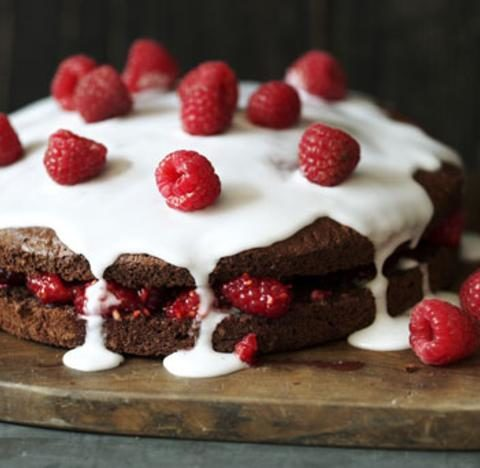 Low-fat chocolate sponge cake
